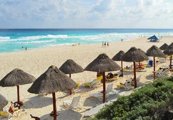 Vacaciones para Singles ¿mejor playa o ciudad?